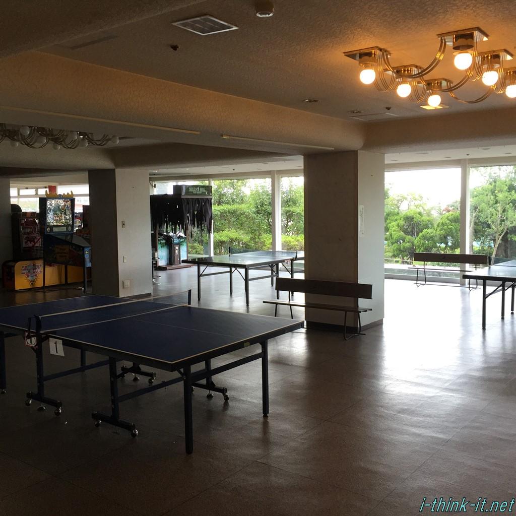 ホテル内の卓球場