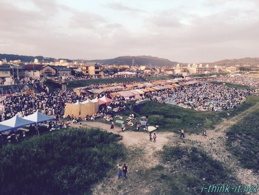 レーザ光線と花火のコラボレーションが素晴らしい!吉野川祭り納涼花火大会に行ってきた。絶景ポイントも交えて振り返り。