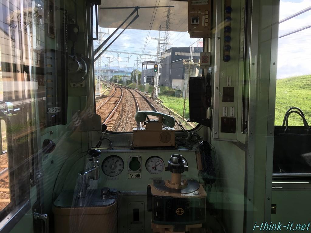 京阪電車内から見た外の景色