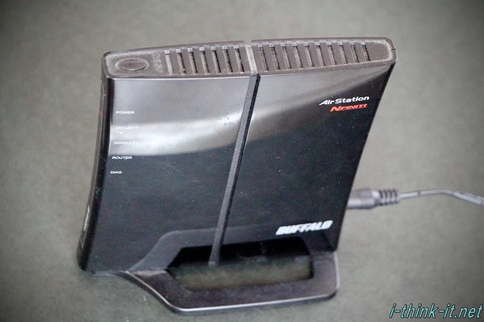 BUFFALO製の無線LANルーターWHR-G301N